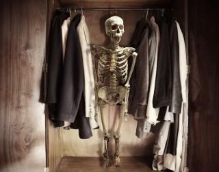 """Kad """"skeletus"""" labāk atstāt skapī"""