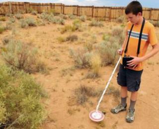 13-gadīgs zēns ar paštaisītu metāla detektoru atrod meteorītu