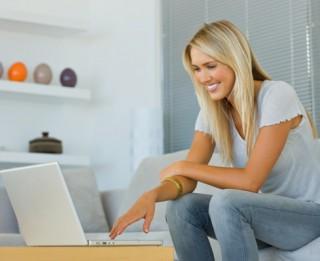 Sērfošana internetā sievietēm samazina stresu, uzlabo smadzeņu darbību un palielina produktivitāti