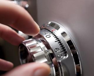 Atvērt neatveramu seifu – tas nav neiespējami