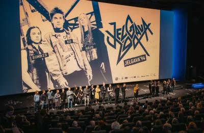 """Spēlfilmai """"Jelgava '94"""" nedēļas laikā – vairāk nekā 10 000 skatītāju"""