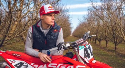 """Motokrosists Jonass atgriezies """"Red Bull"""" sportistu pulkā"""