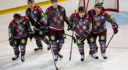 Latvijas izlase arī otrajā spēlē pārspēj U18 izlasi, sieviešu U18 izlasei sagrāve