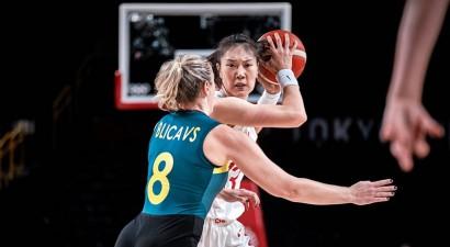 Blicavs debitē olimpiskajā turnīrā, Austrālija pēdējo sekunžu drāmā zaudē Ķīnai