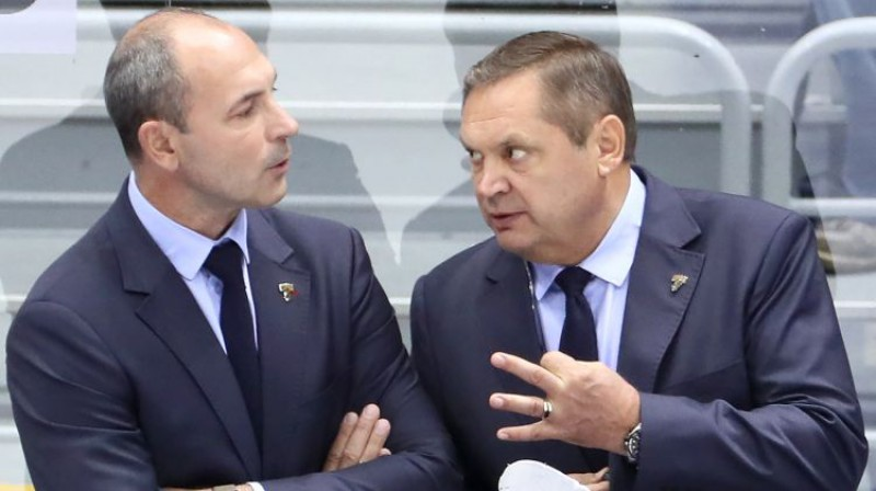 Sergejs Zubovs 2019. gadā uz treneru soliņa kopā ar Leonīdu Beresņevu Soču komandā. Foto: Dmitry Feoktistov/TASS/Scanpix