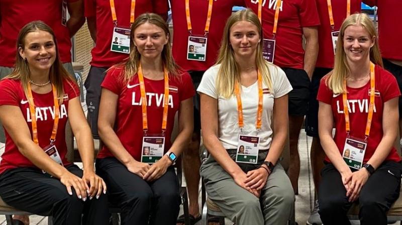 Rūta Lasmane, Paula Sprudzāne, Kristīne Blaževiča, Asnāte Kalniņa. Foto: Latvijas Vieglatlētikas savienība