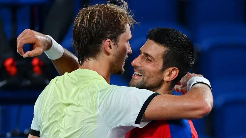 """Aleksandrs Zverevs jūlija beigās Novaku Džokoviču pieveica Tokijas olimpiskajās spēlēs, bet """"Grand Slam"""" turnīros viņam tas nav bijis pa spēkam. Foto: AFP/Scanpix"""
