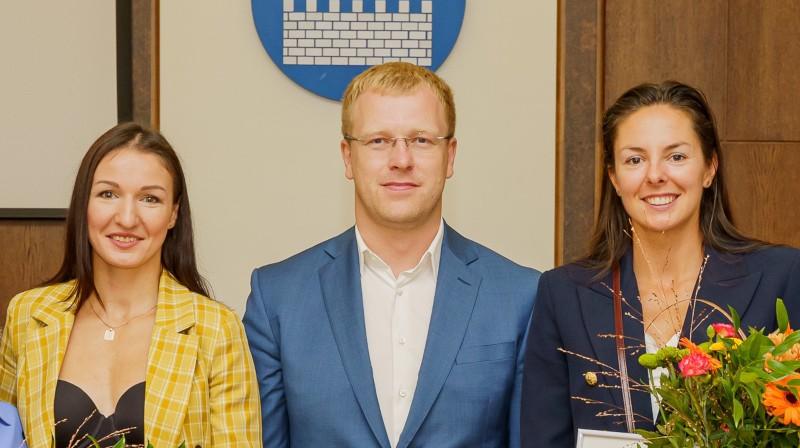 Anastasija Grigorjeva, Andrejs Elksniņš, Anastasija Kravčenoka. Foto: daugavpils.lv