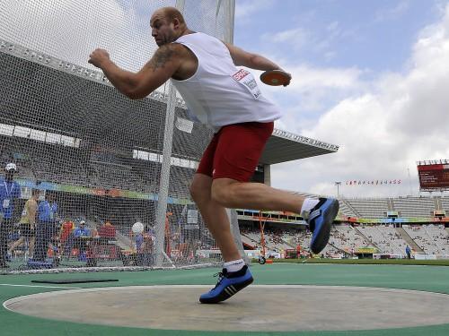 Malahovskis triumfē ar EČ rekordu