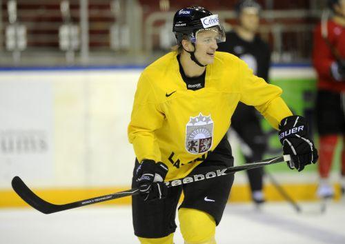 Latvijas izlasei pievienojas pieci hokejisti ar Saulieti priekšgalā
