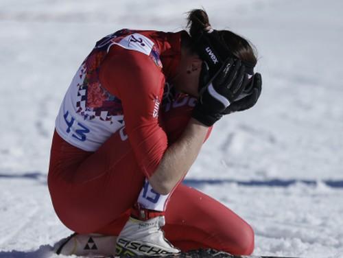 Kovaļčika ar lauztu pēdas kaulu iegūst olimpisko zeltu, Dauškānei 65.vieta