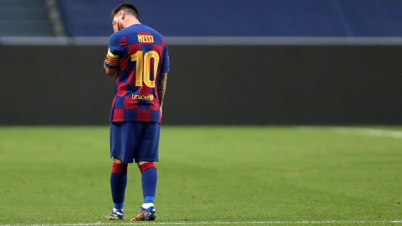 """Medijs: Mesi pēc 2:8 zaudējuma nevēloties pagarināt līgumu ar """"Barcelona"""""""