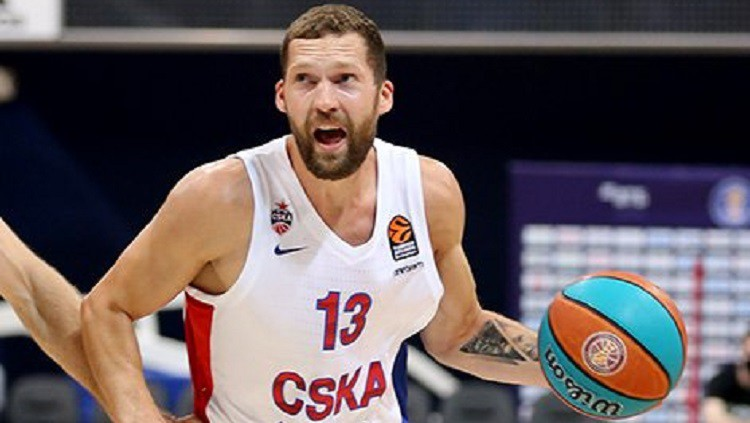 Strēlniekam septiņi punkti un piecas piespēles CSKA uzvarā pār ''Panathinaikos''