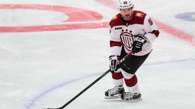 """Rīgas """"Dinamo"""" atkal vāja pirmā trešdaļa un neveiksmīgs atspēlēšanās mēģinājums"""
