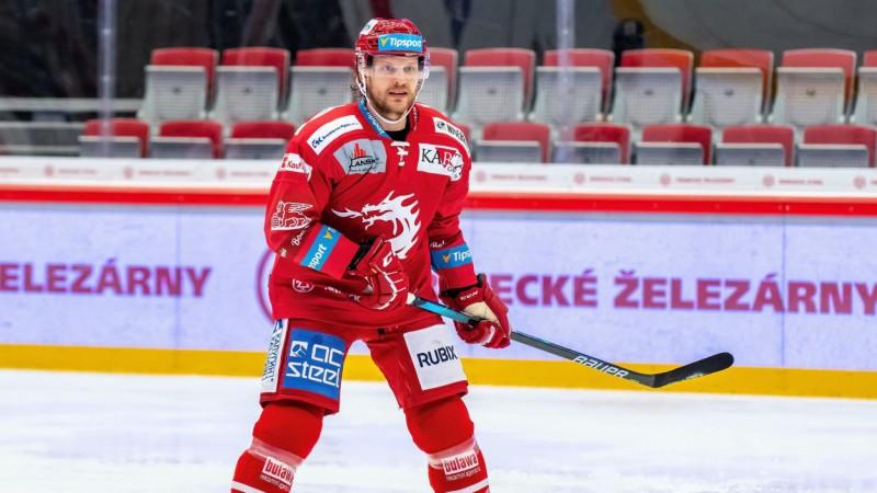 Ābolam septītā rezultatīvā spēle pēc kārtas, Freibergs tuvojas Čehijas titulam