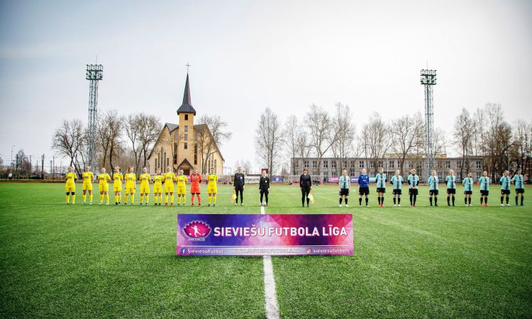 Sieviešu virslīgā uzvaras svin ''Rīgas Futbola skola'' un ''Metta''