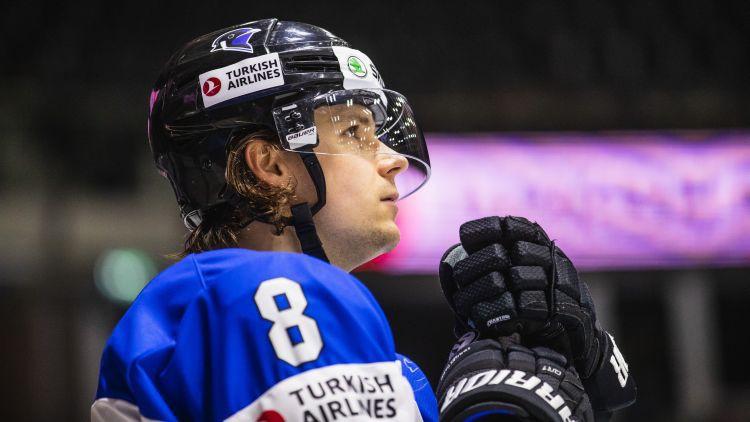 Uzbrucējs Roba parakstījis līgumu un kļūst par pirmo igauni KHL