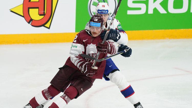 Sponsori palīdz Zviedrijas trešās līgas klubam noturēt Latvijas izlases uzbrucēju Mareni