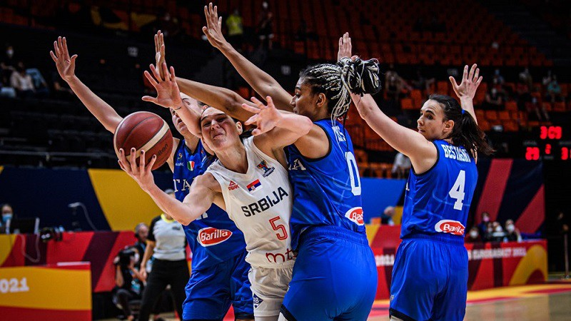 Neticamā Serbija pēdējā minūtē atspēlējas no -6 un pagarinājumā sakauj Itāliju