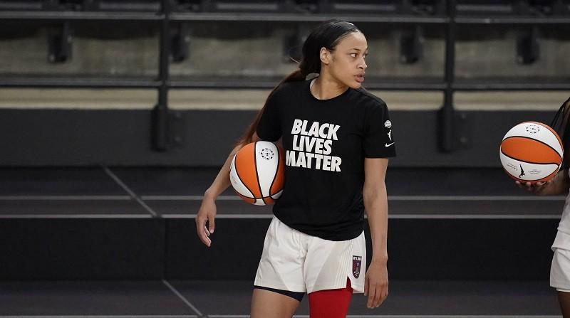 Holivuda diskvalificēta: kas notiek ar WNBA drafta ceturto numuru?