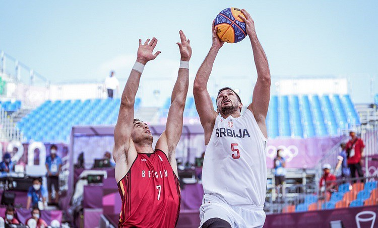 Vīru 3x3 basketbola turnīrā izkristalizējas favorīti
