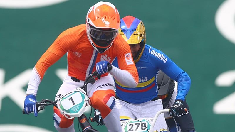 BMX divriteni šķūnītī iestumj arī pasaules čempiona pilnvaras nolikušais van Gents
