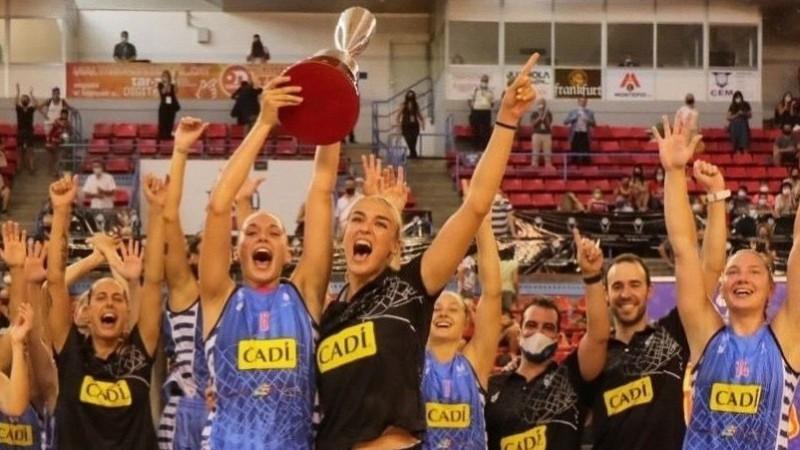 Strautmanes un Pilāberes komanda šokē Eirolīgas klubu, uzvar katalāņu līgā