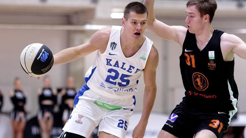 """Latvieši kopā iemet septiņus punktus, Tallinas """"Kalev"""" zaudē atklāšanas spēlē"""